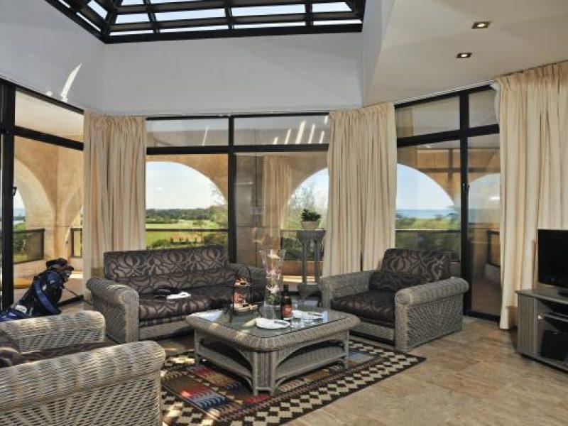 09amelialasamericas-master-suite-deluxe-golf1