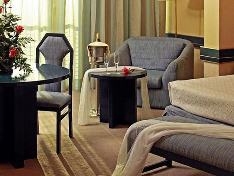 113tryphabanalibre-honeymoonroom