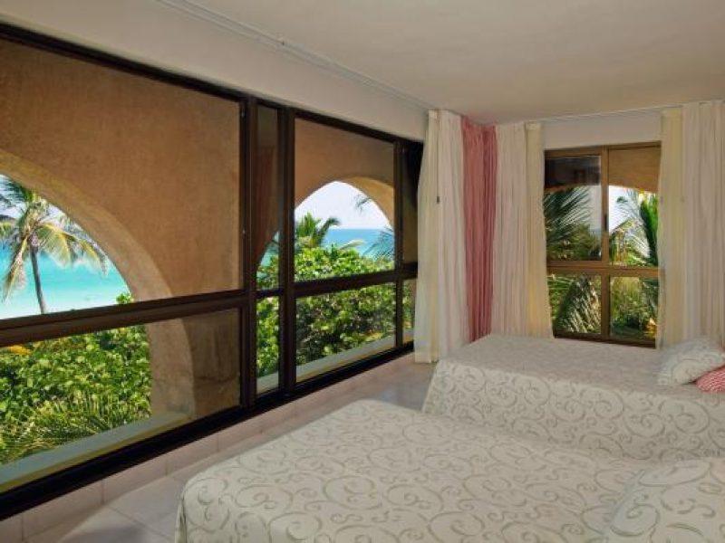15melialasamericas-bungalow-master-suite1