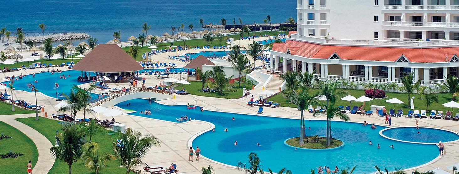 gran-bahia-aerial-pool2