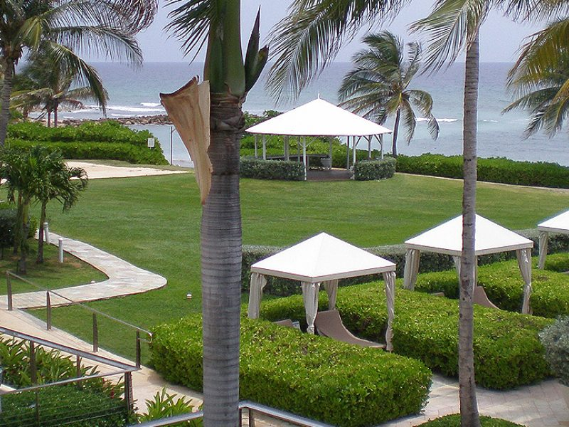 hilton-beach-view-pool-area