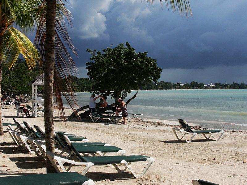 riu-tropical-bay-beach