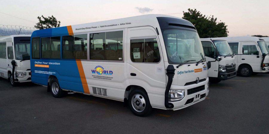 Autobús Caribbean World Vacation Transfer
